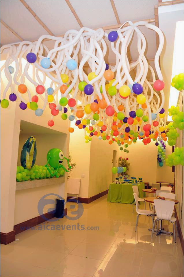 twisted balloon decorations