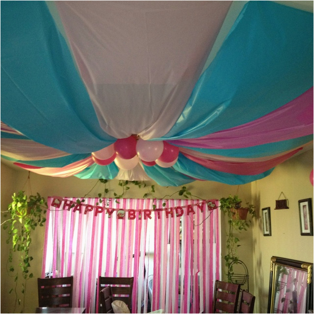 ceiling streamers