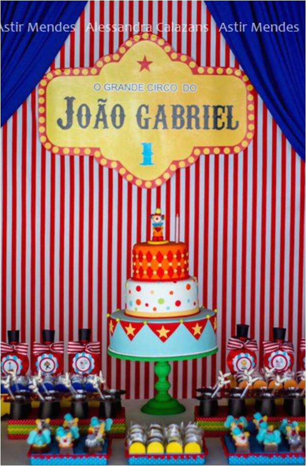 circus themed 1st birthday party 3