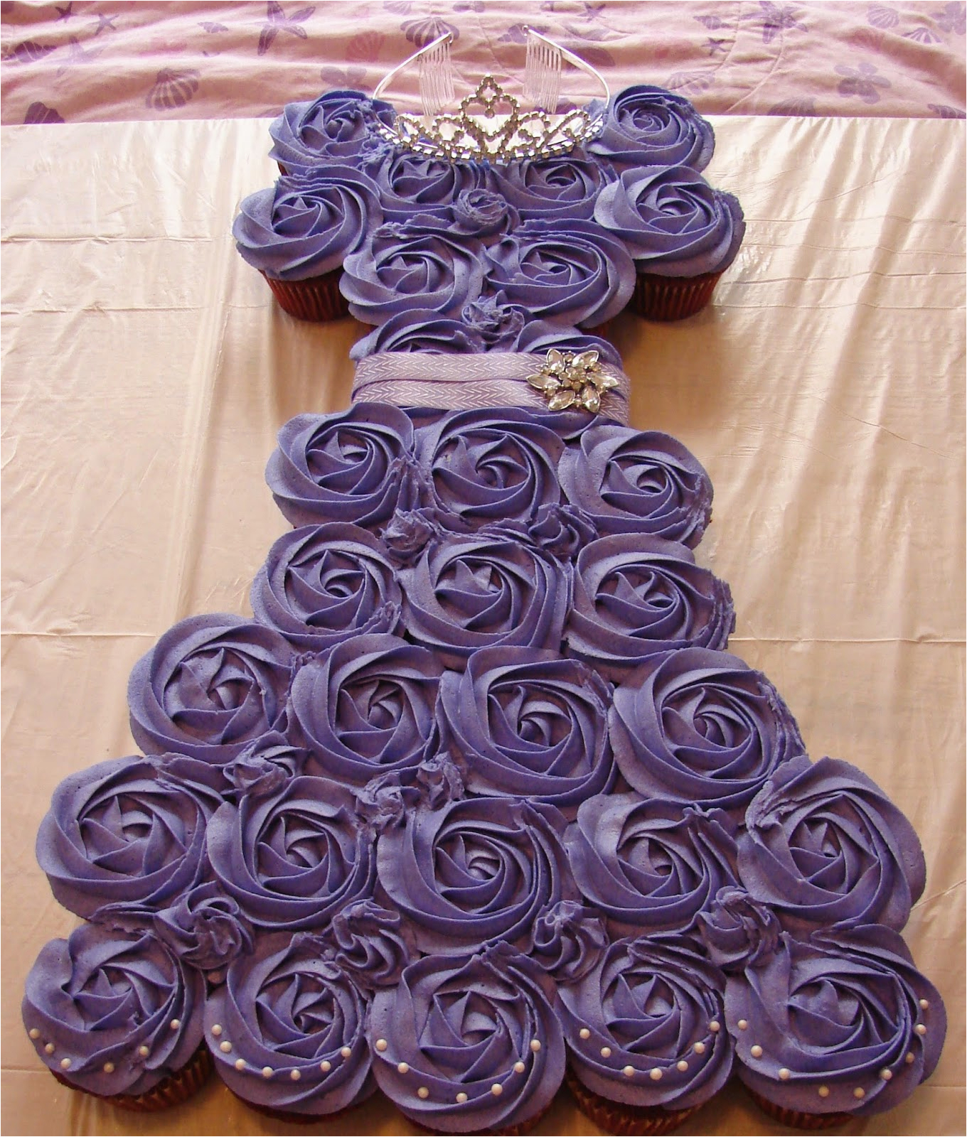 wedding gown pull apart cupcake cake youtube 7