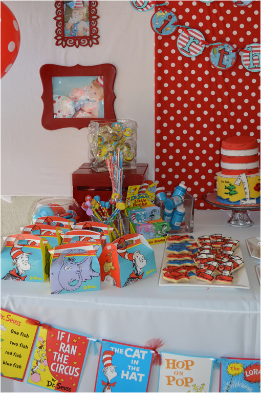 dr seuss 1st birthday party ideas