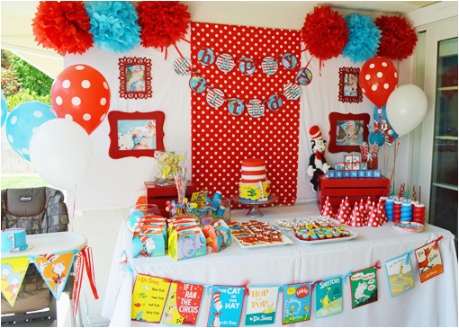 dr seuss 1st birthday party ideas