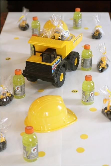 levi turns three dump truck party