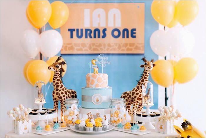 little giraffe birthday party