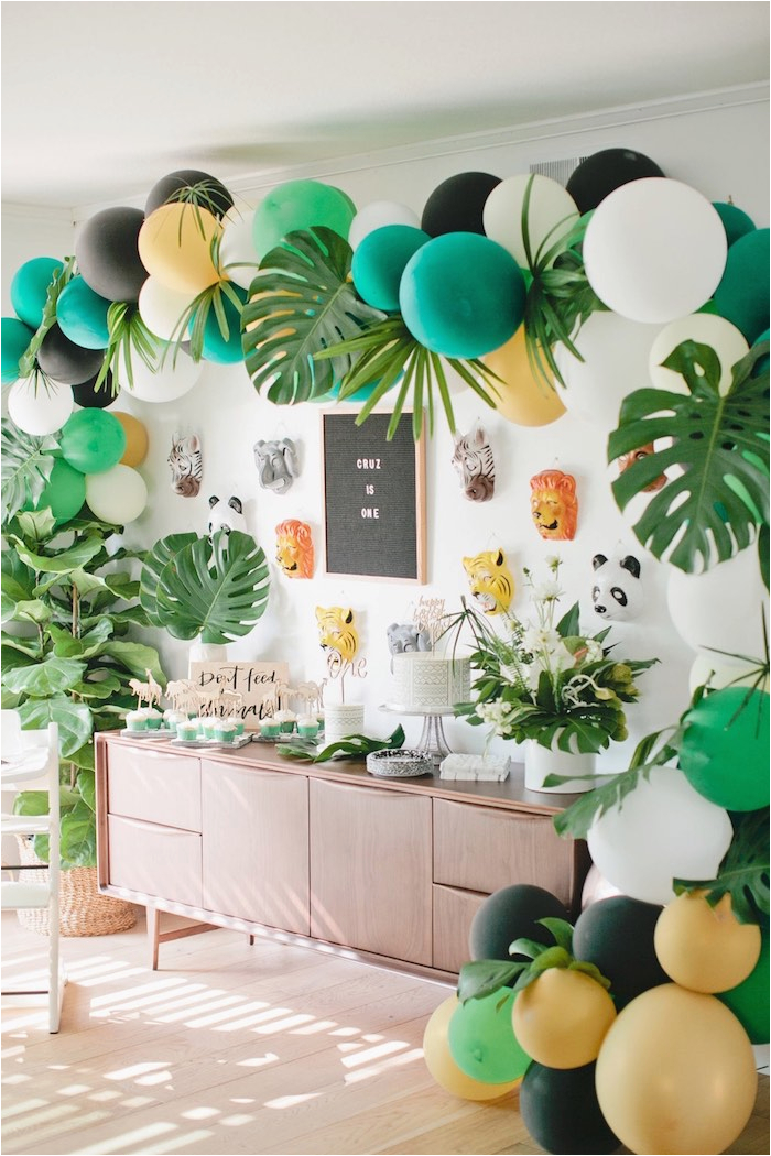 Jungle Themed First Birthday Decorations Birthdaybuzz