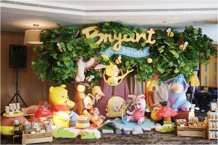winnie the pooh themed birthday party