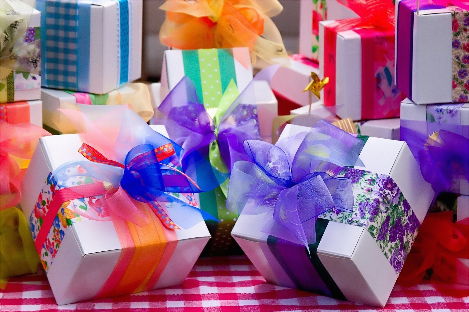 7 unique birthday gifts ideas to win your soul mate s