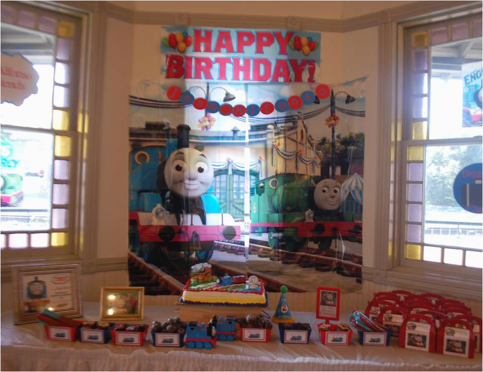 thomas the train 2nd birthday