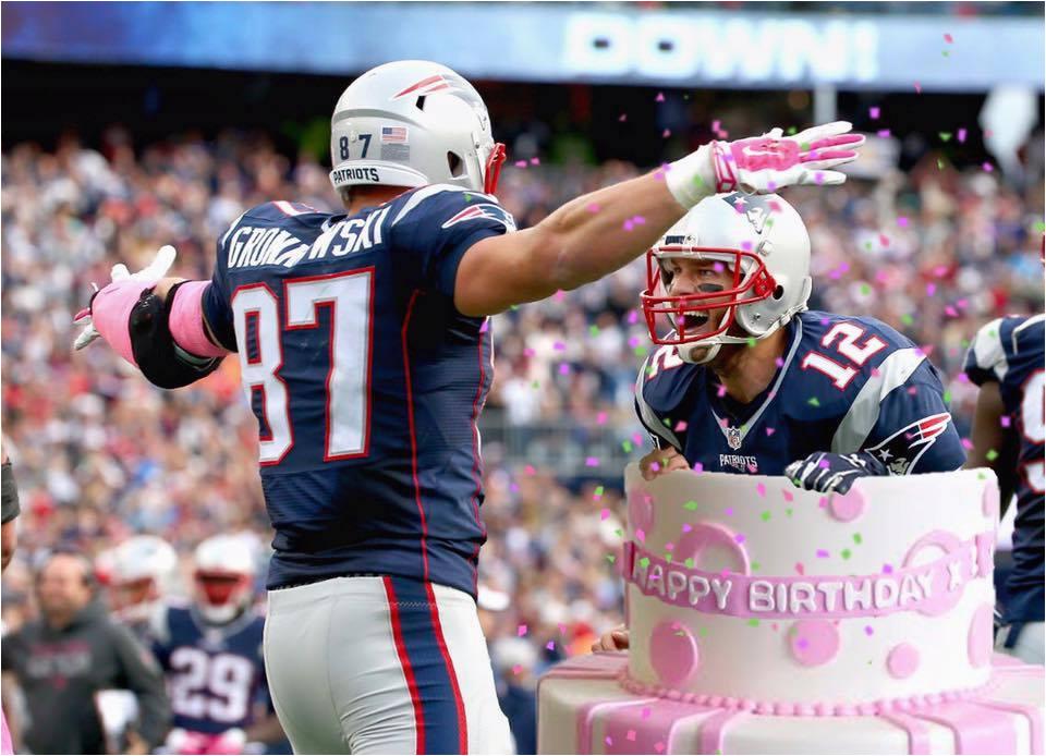 rob gronkowski got a tom brady cake birthday message from