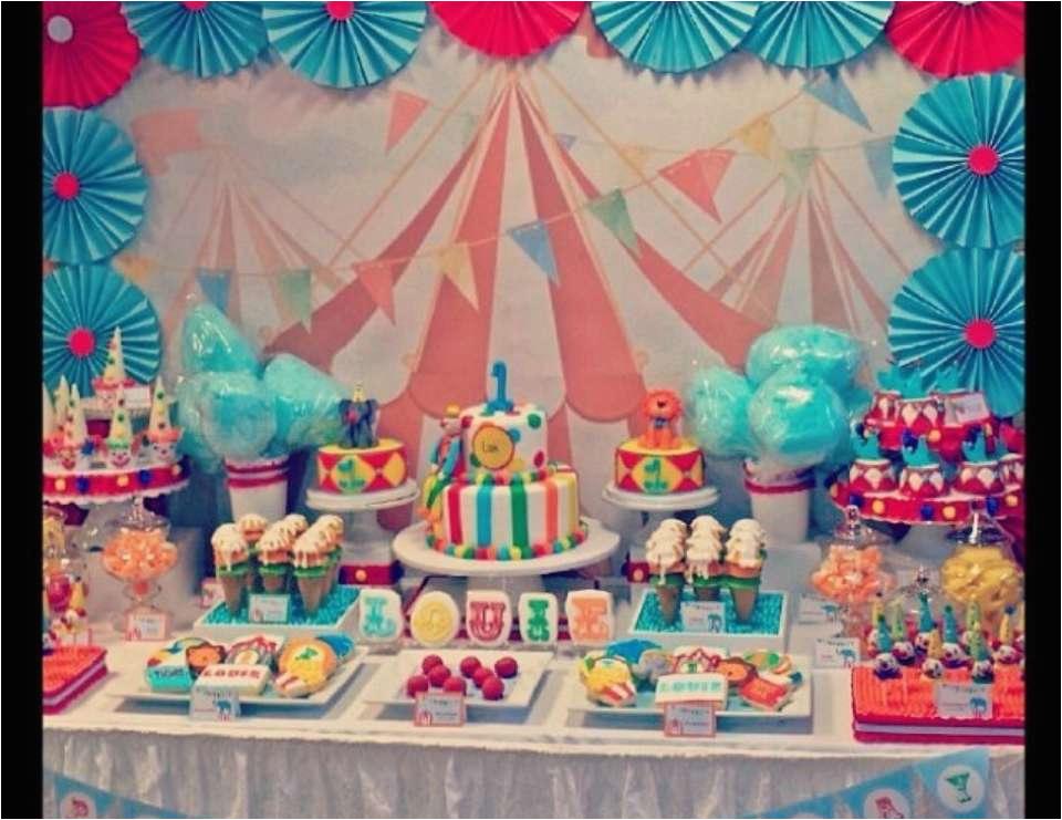 circus 1st birthday 2