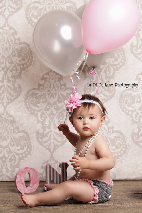 toddler baby girl one year old birthday