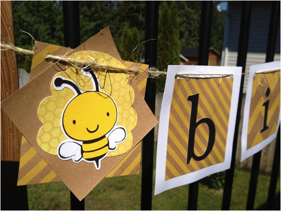 outdoor bee themed happy birthday banner