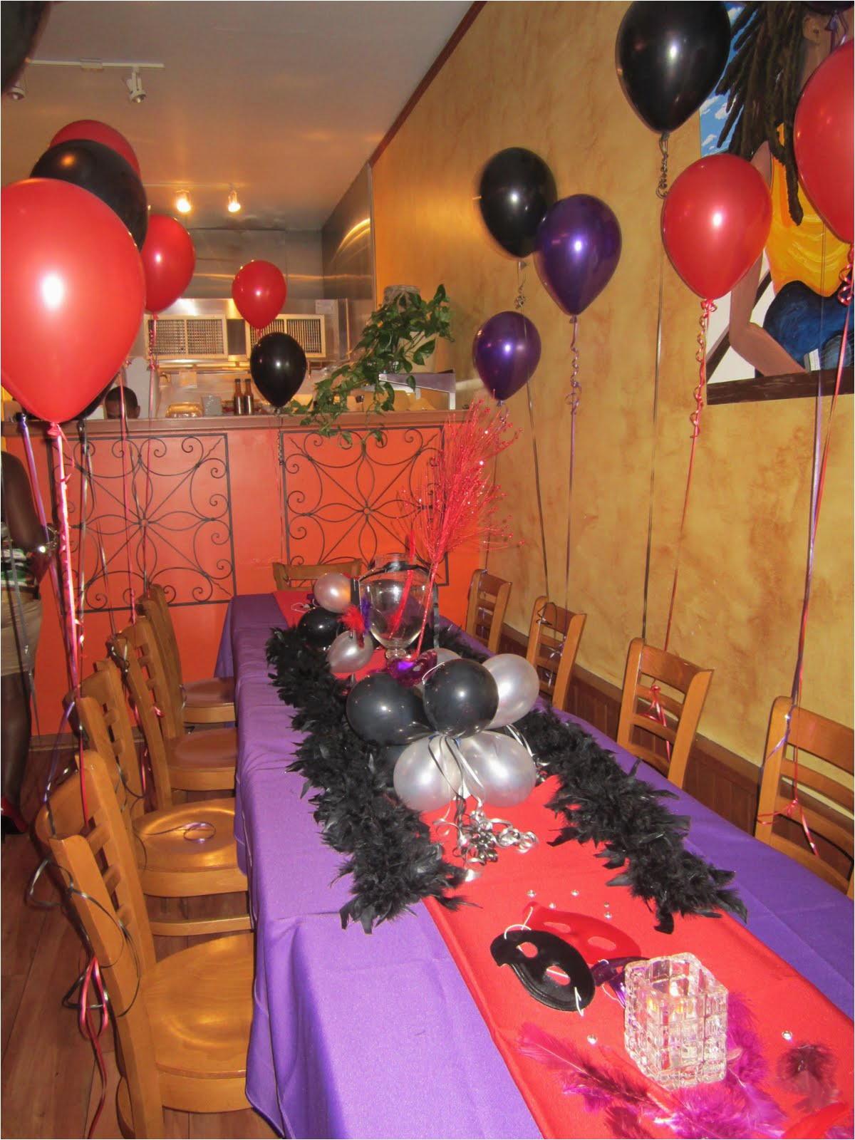 how to decorate birthday dinner red