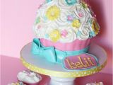 Cupcake Ideas for Birthday Girl 1st Bithday Cakes for Girls Giant Cupcake and Matching