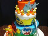 Dr Seuss Birthday Cake Decorations Dr Seuss First Birthday Cake Cakecentral Com