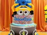 Minion Birthday Cake Decorations Make A 39 One In A Minion 39 Cake with these Minion Cake Ideas